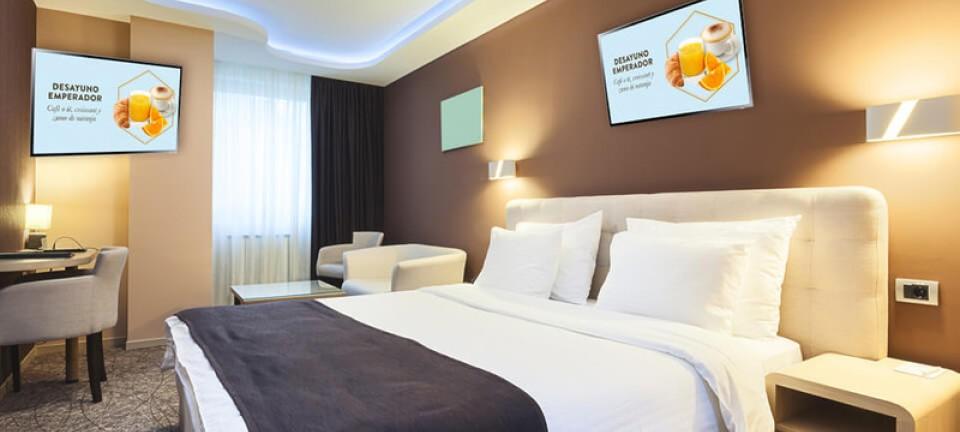 Publicidad en habitación hotel